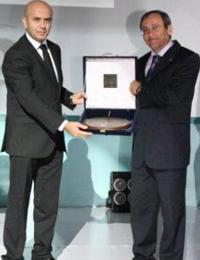 Bir çok ödüle layık görülen Kenan Yavuz, 2009 yılında Milli Prodüktivite Merkezi tarafından 'Yılın İşvereni' seçilmişti...